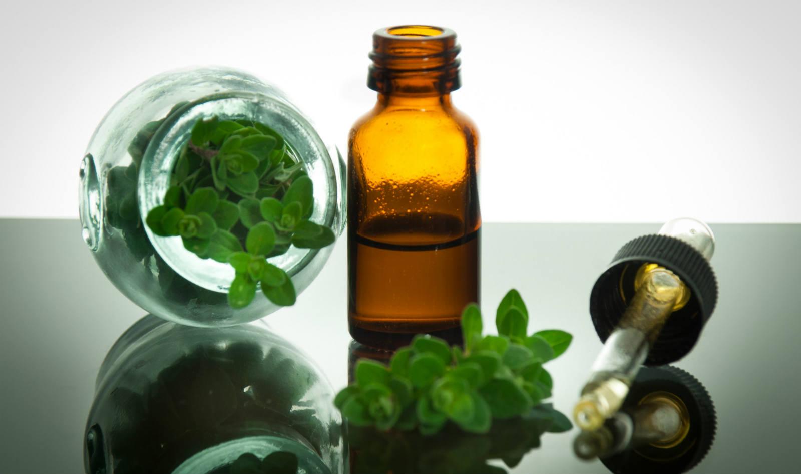 aceite, orégano, oregano, para que sirve, propiedades, medicinal, beneficios